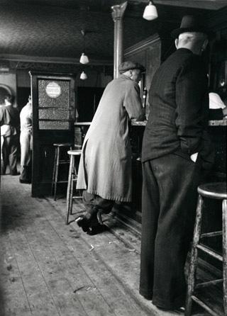Pub in 1952